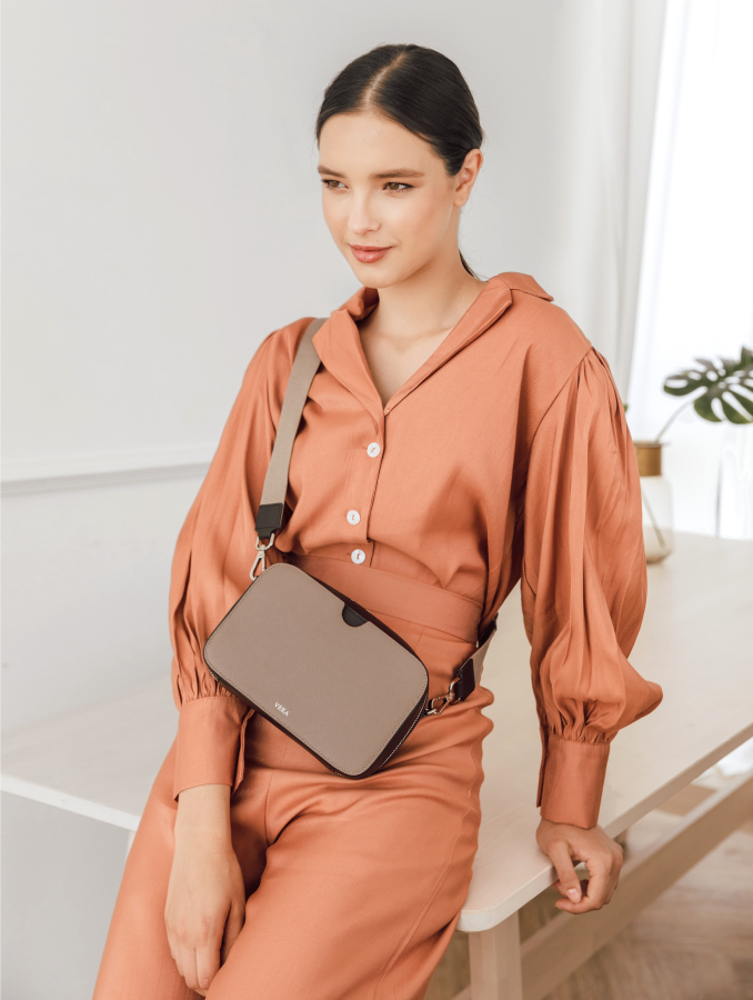 VERA A Block as Crossbody Bag