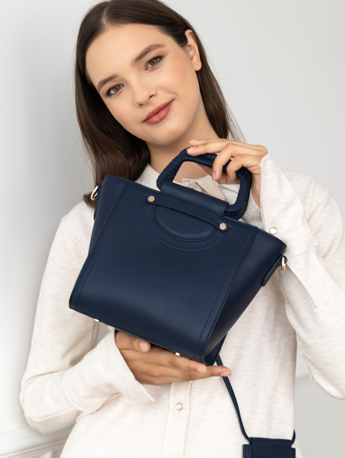 VERA Best Millie as Handbag