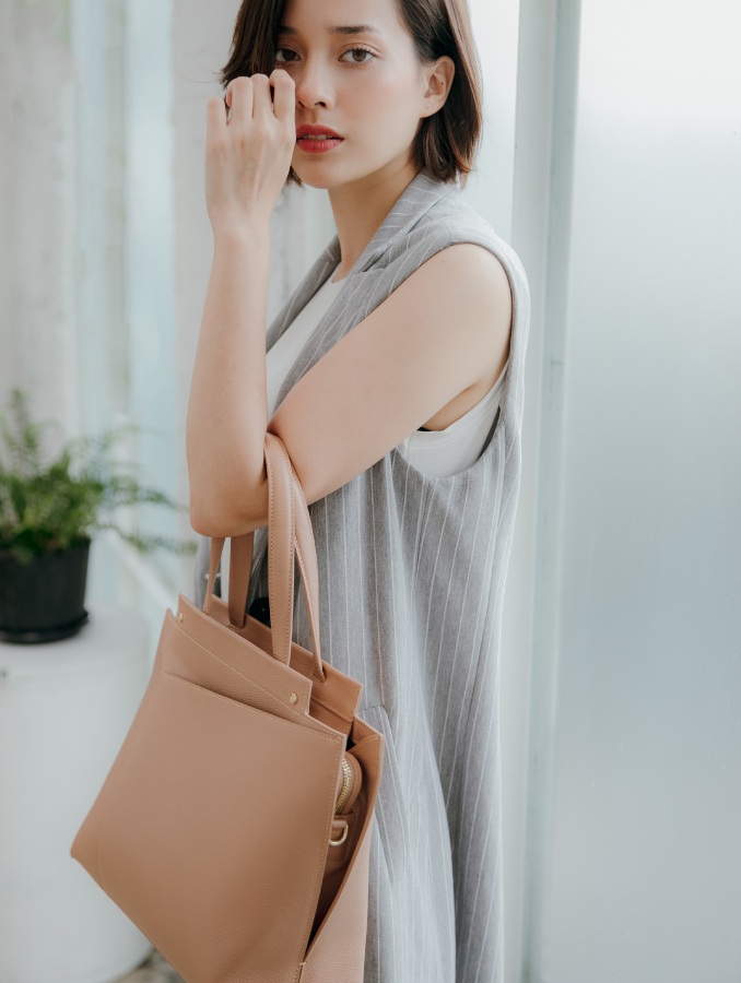VERA Bridget Bag as Hand Bag