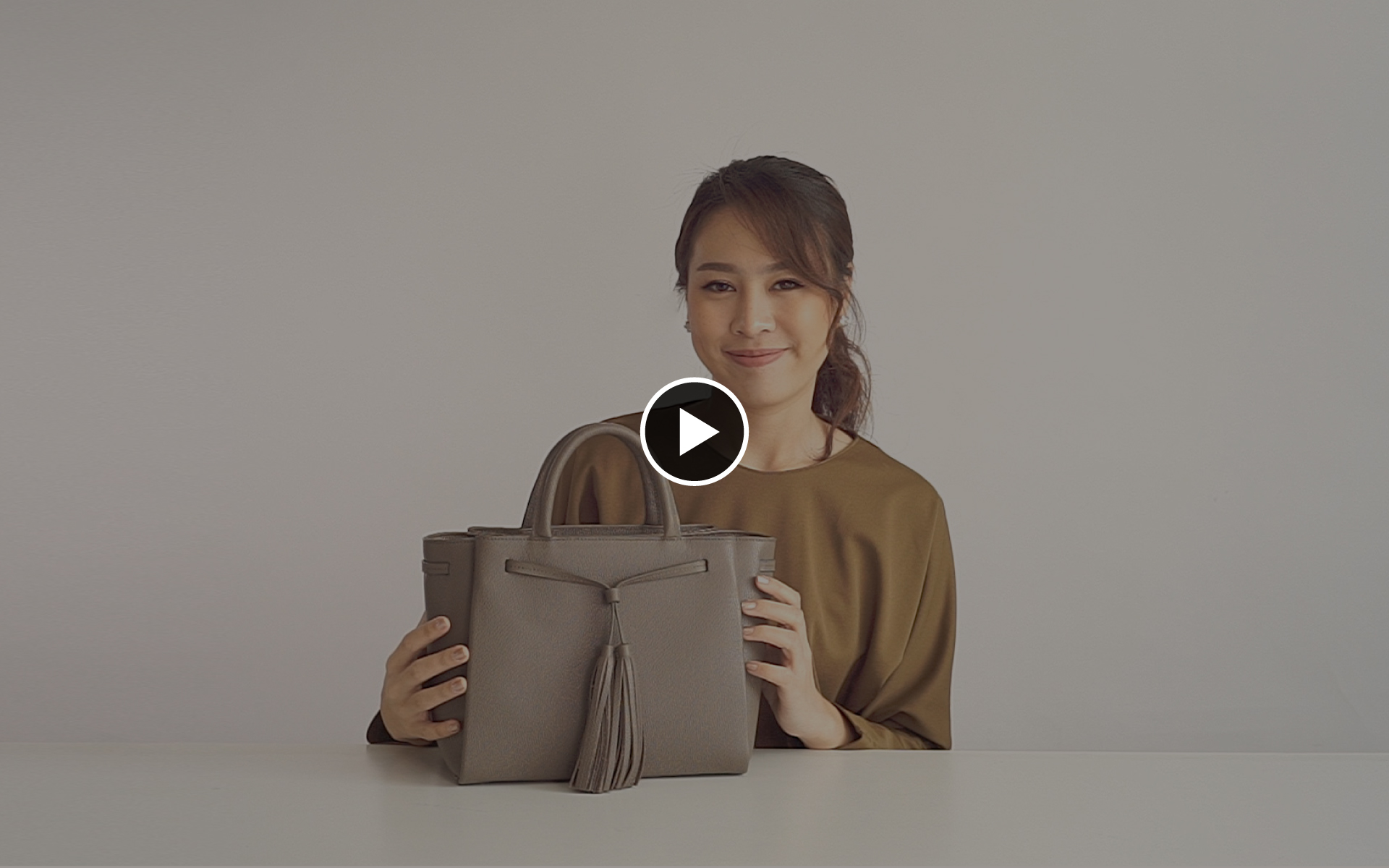 Esther - Open Bag Video Thumbnail