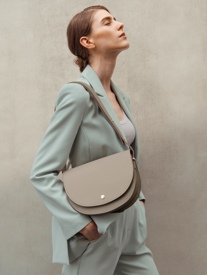 VERA Half Moon as Shoulder Bag